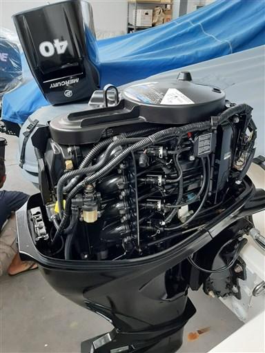 Foto motore aperto