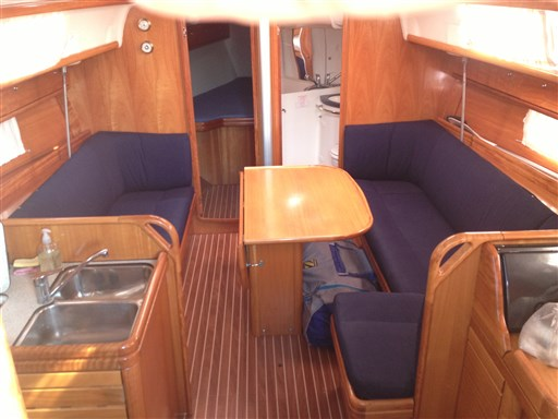 Bavaria 37 Cruiser (3)