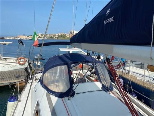 Jeanneau Sun Odyssey 33i (3)